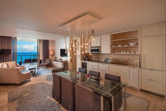 Royal Oceanfront Suite - Kitchen/Dining