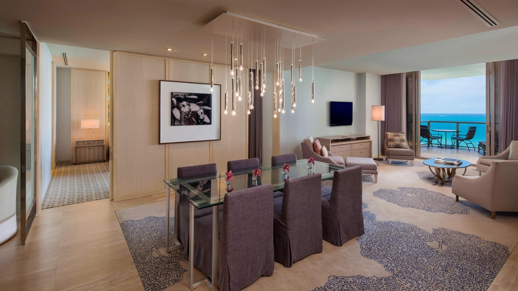 Suite Atlantic frente al mar - Sala de estar y comedor