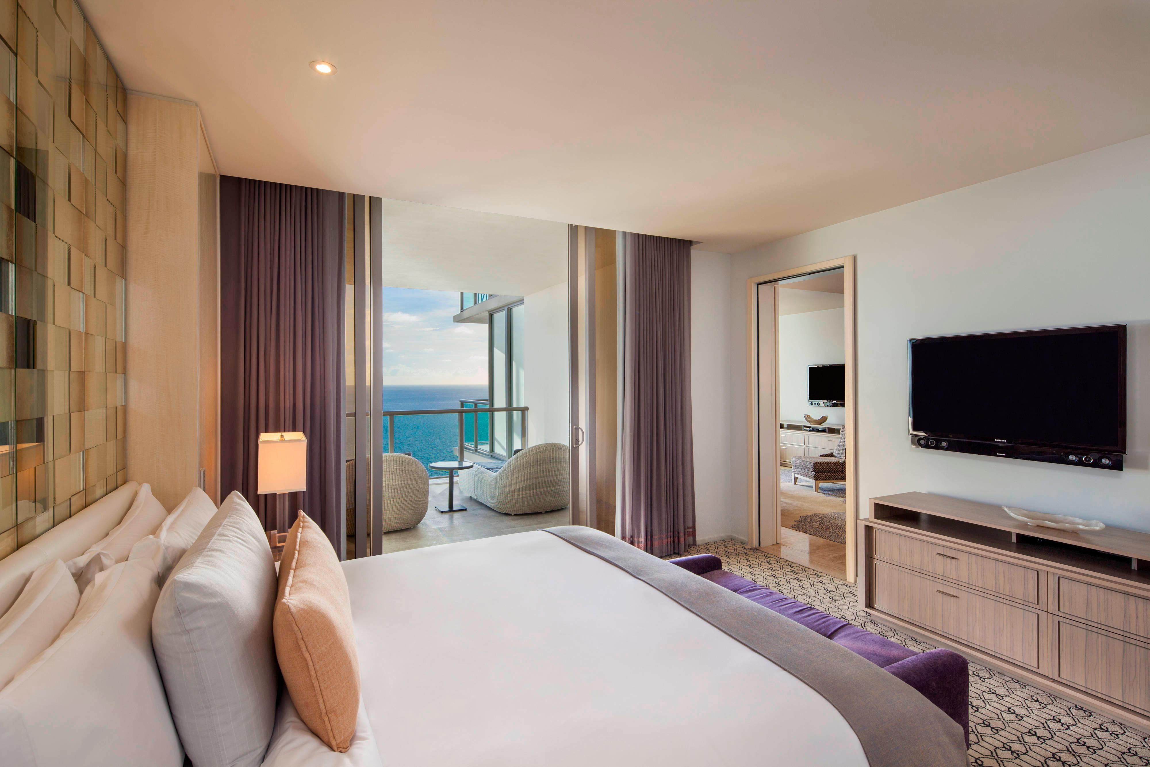 Royal Oceanfront Suite - Bedroom