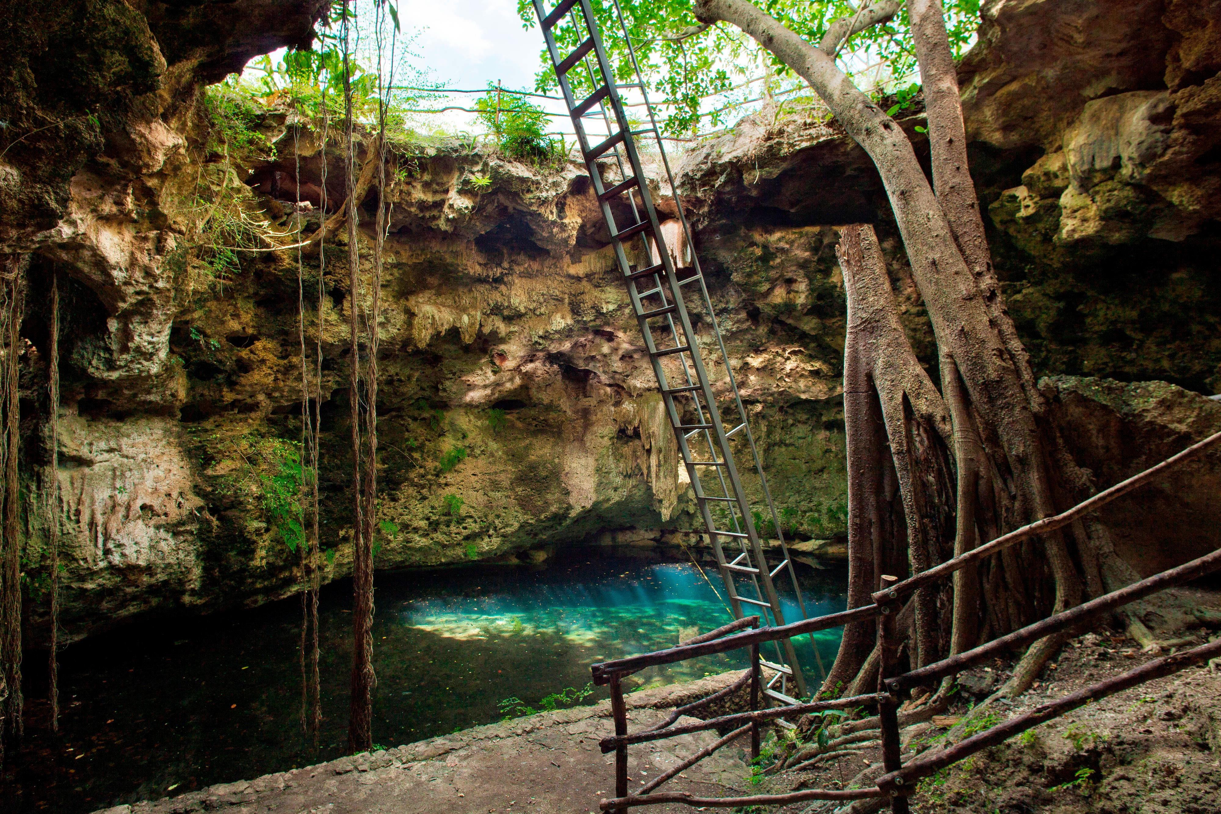 Cenote Maya Hol-Be