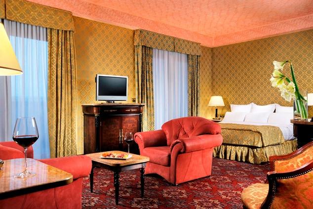 Milan Marriott Hotel Suite