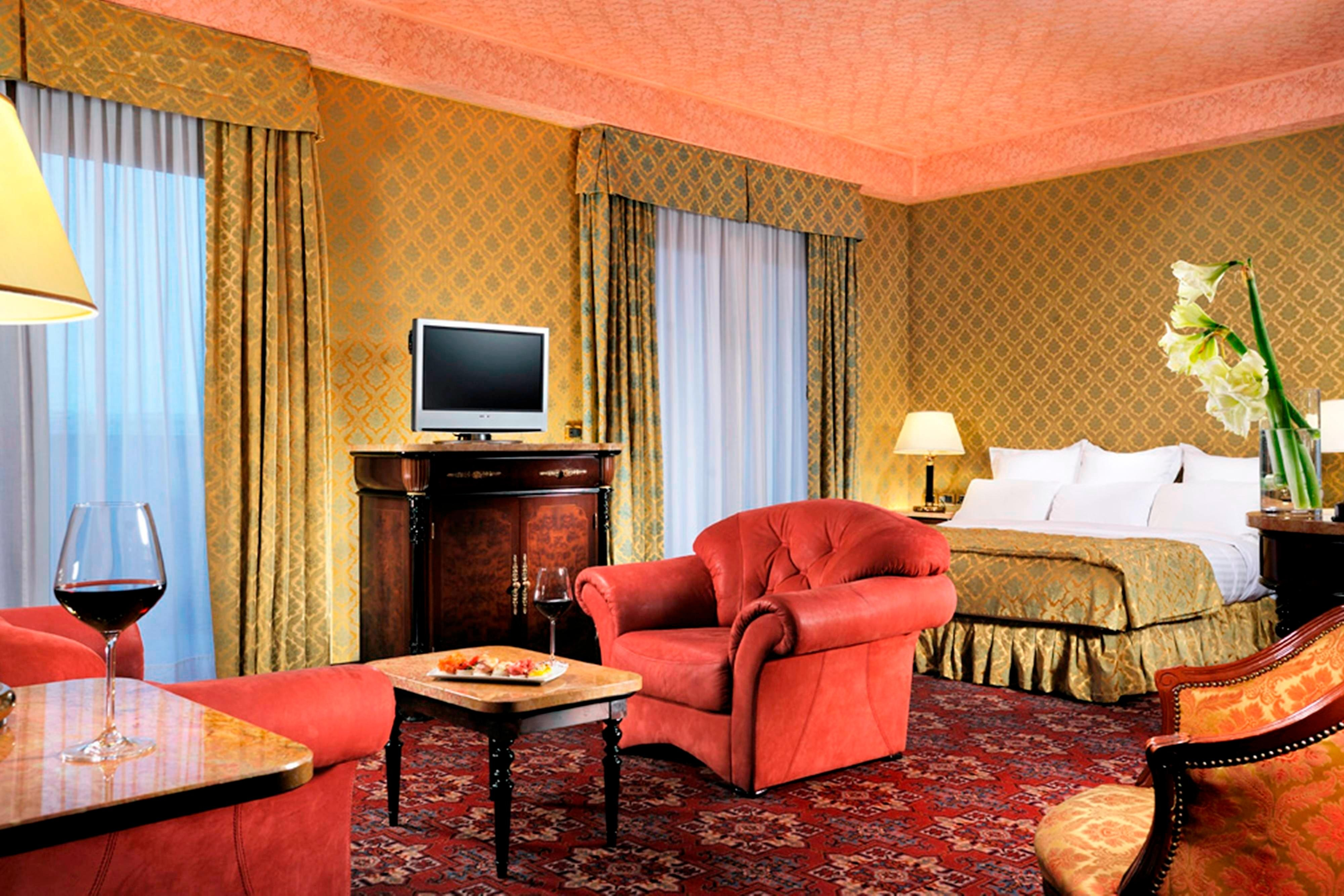 Milan Marriott Hotel Suite