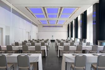Sala da ballo Duomo - Allestimento a banchi di scuola
