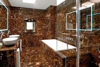 Signature Suite - Bathroom