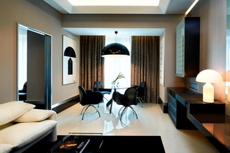 Signature Suite - Living Room