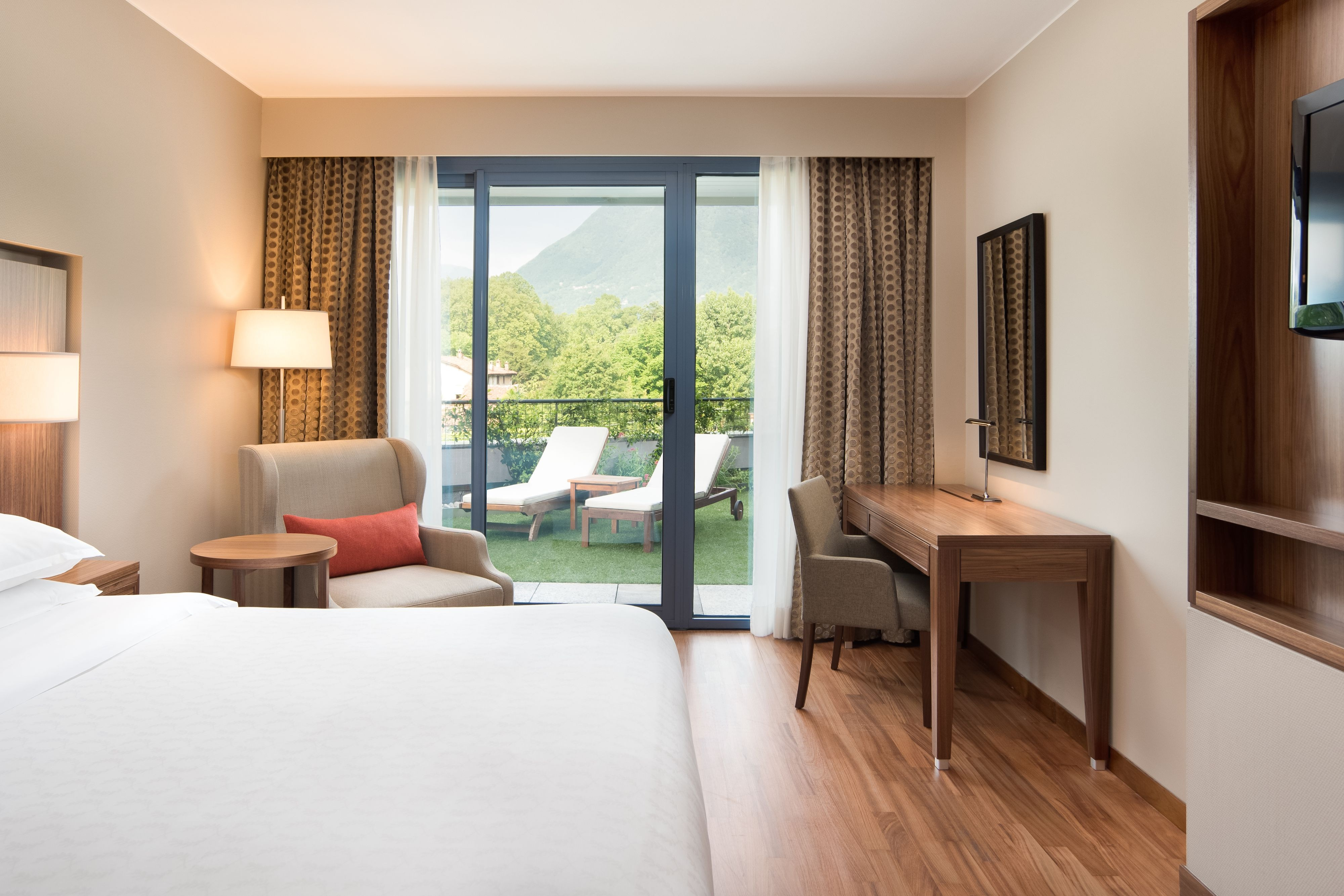 Deluxe Guest Room with Terrace