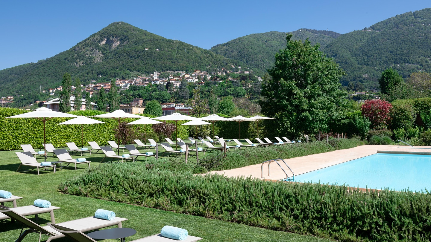 4 Star Lake Como Hotel With Private Park And Swimming Pool