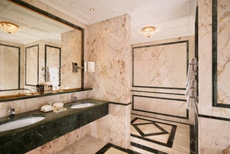 Grand Deluxe Imperial - Bathroom