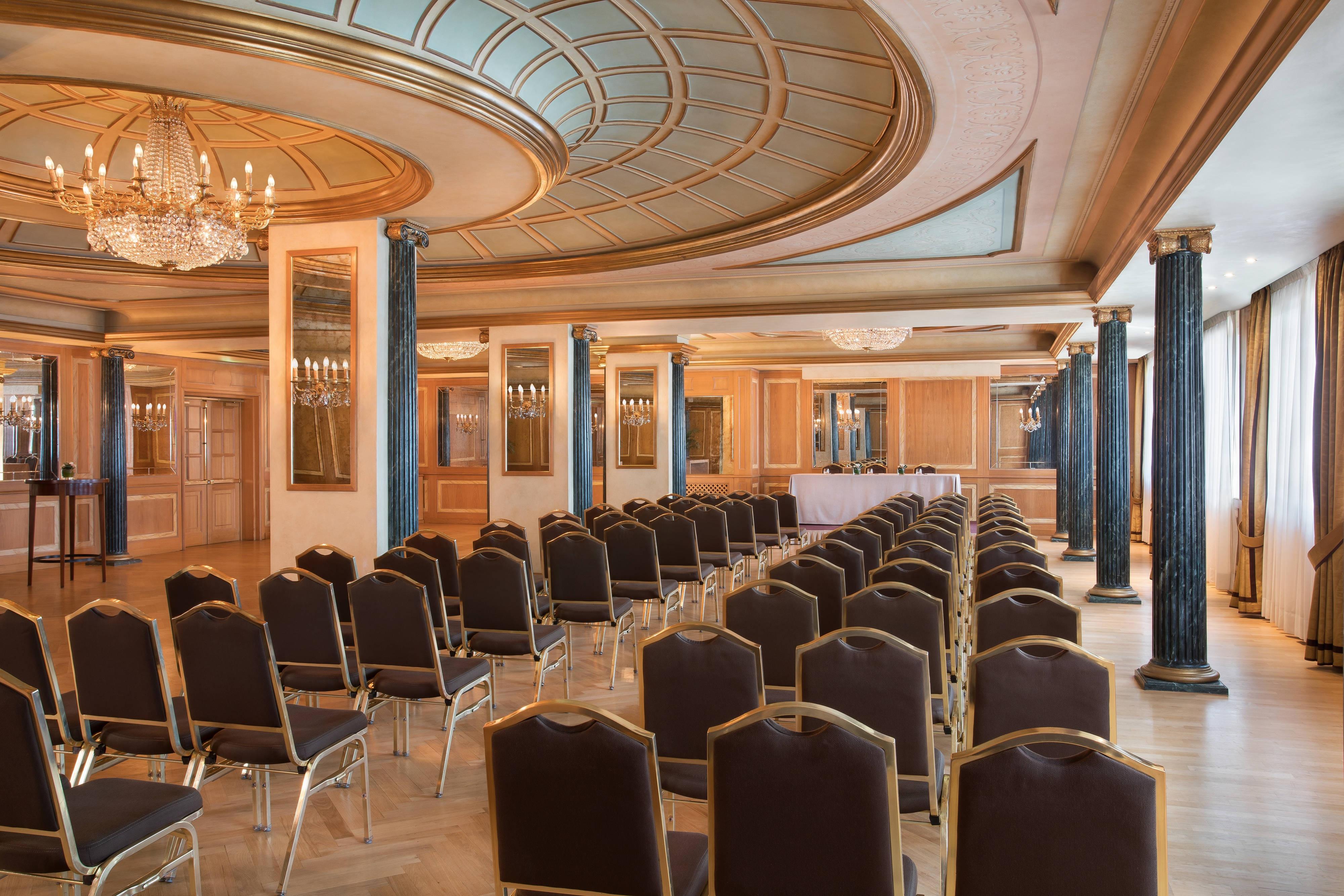 Colonne Room Theatre