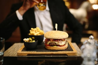 The Lounge Bar - Hamburger