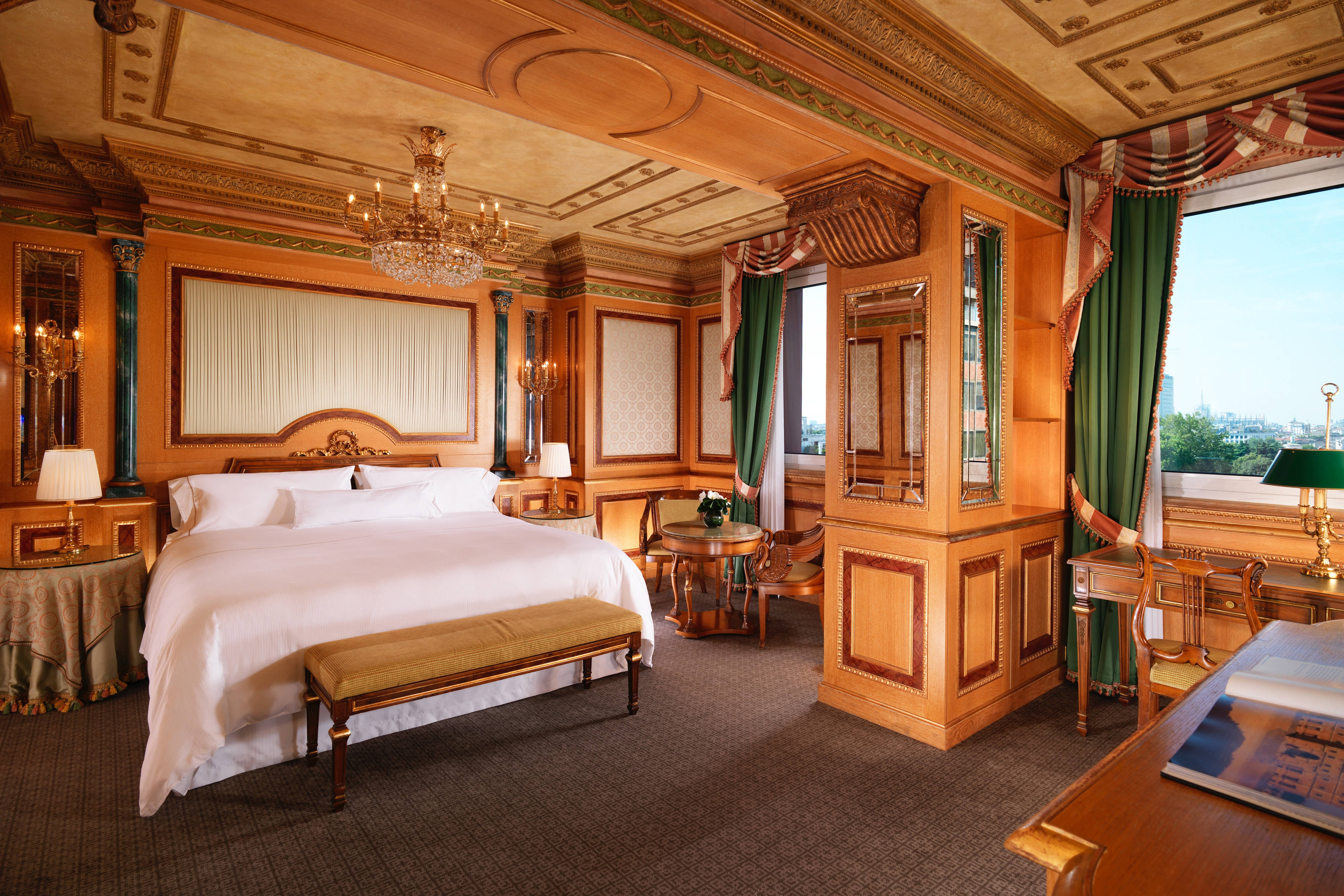 Grand Deluxe Imperial Room
