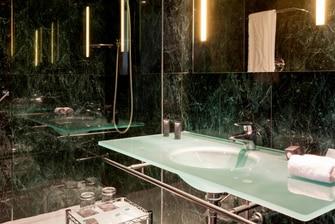 baños de hotel en la ciudad de murcia