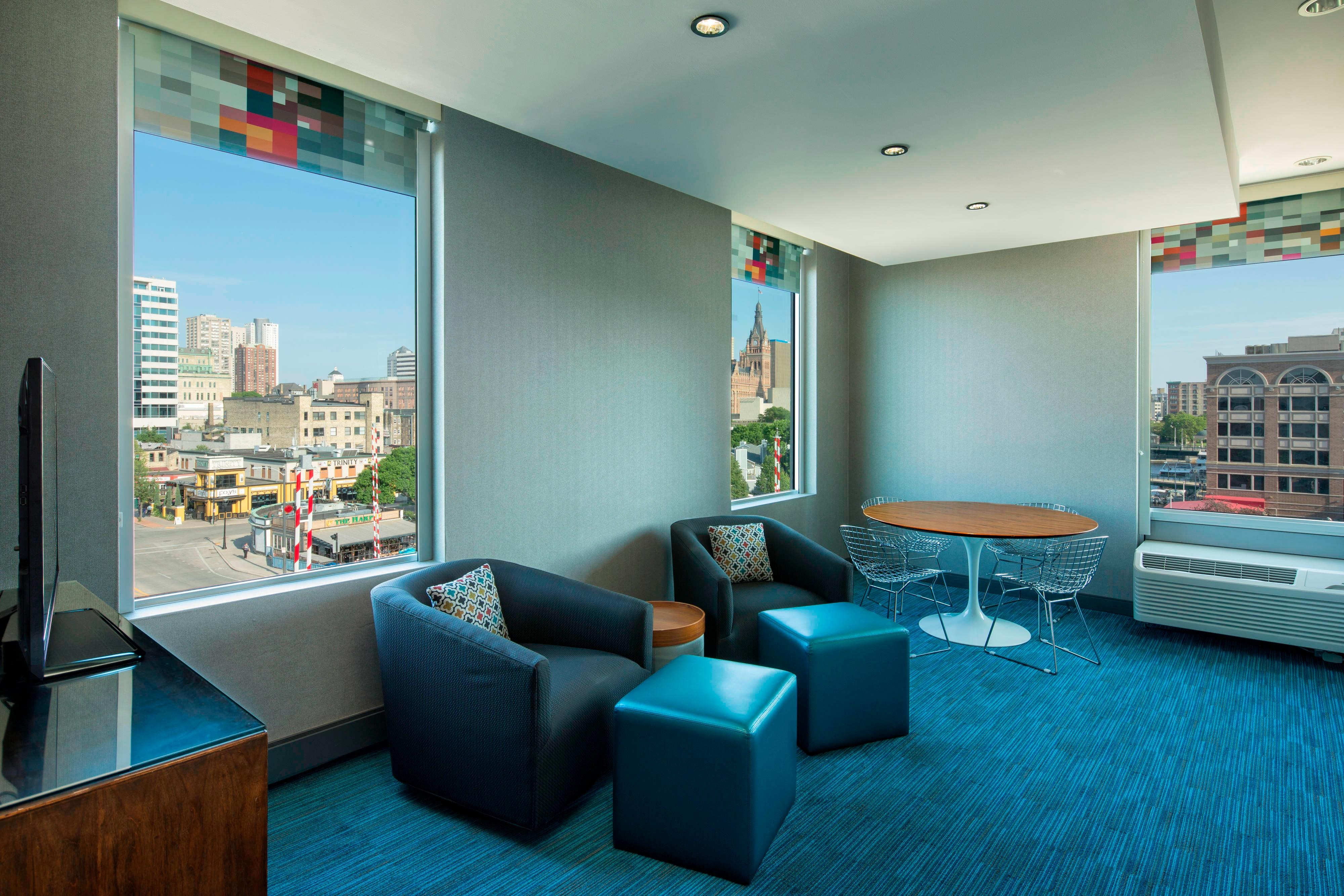 Aloft King Suite
