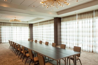 Lower Lakes Meeting Room