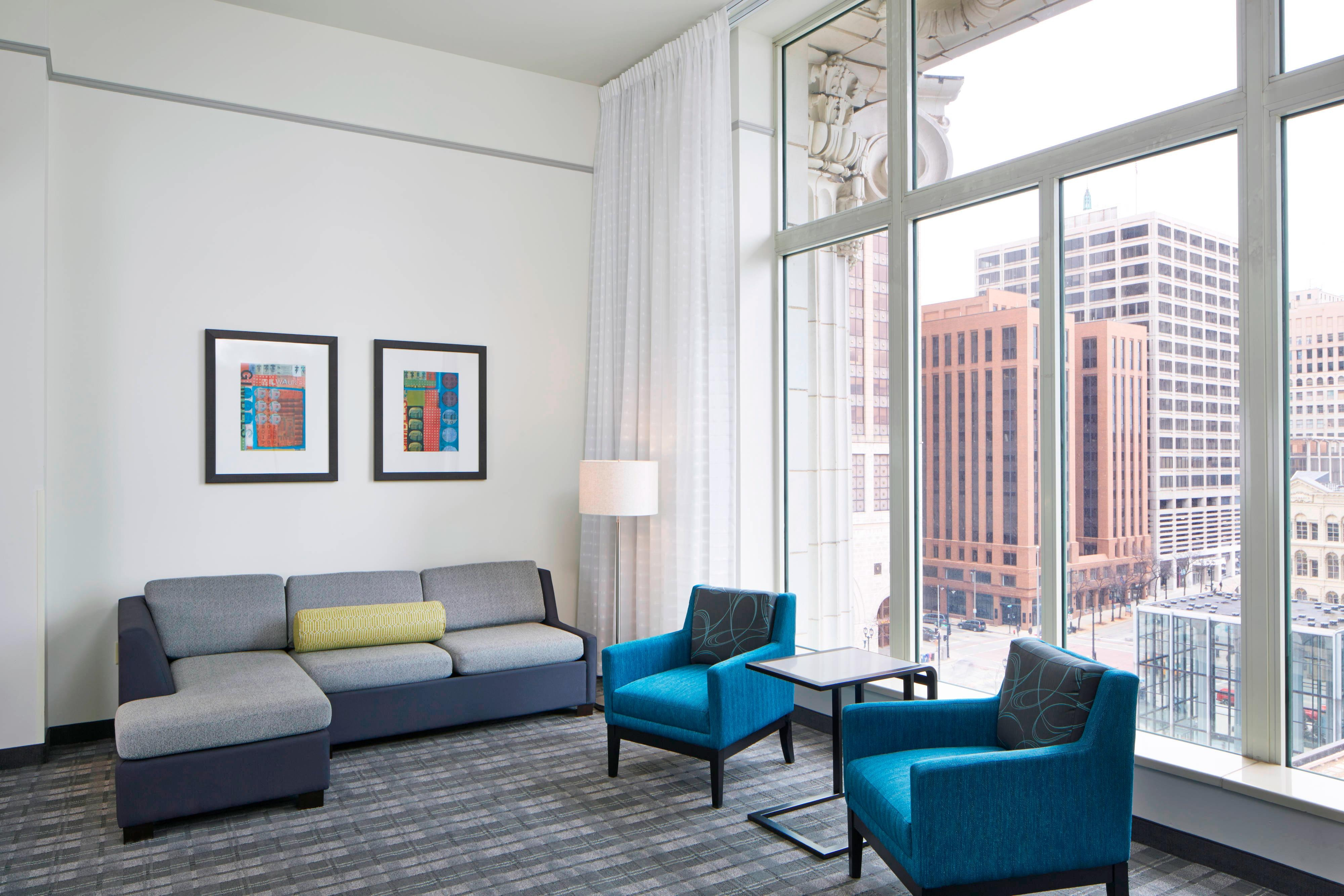 Extended Stay Hotel Rooms Residence Inn Milwaukee Downtown