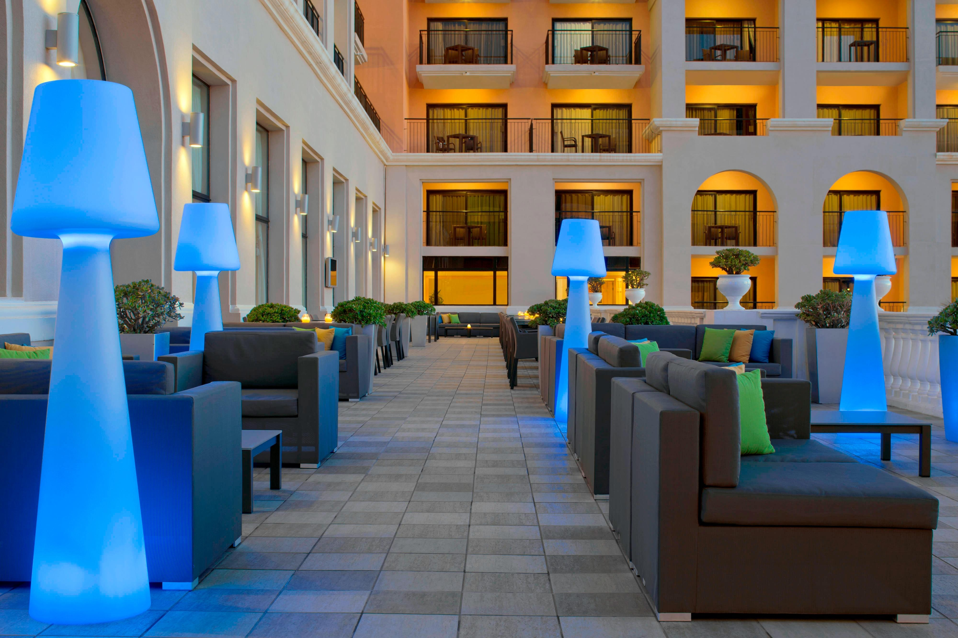 ORVM Lounge & Piano Bar - Verandah