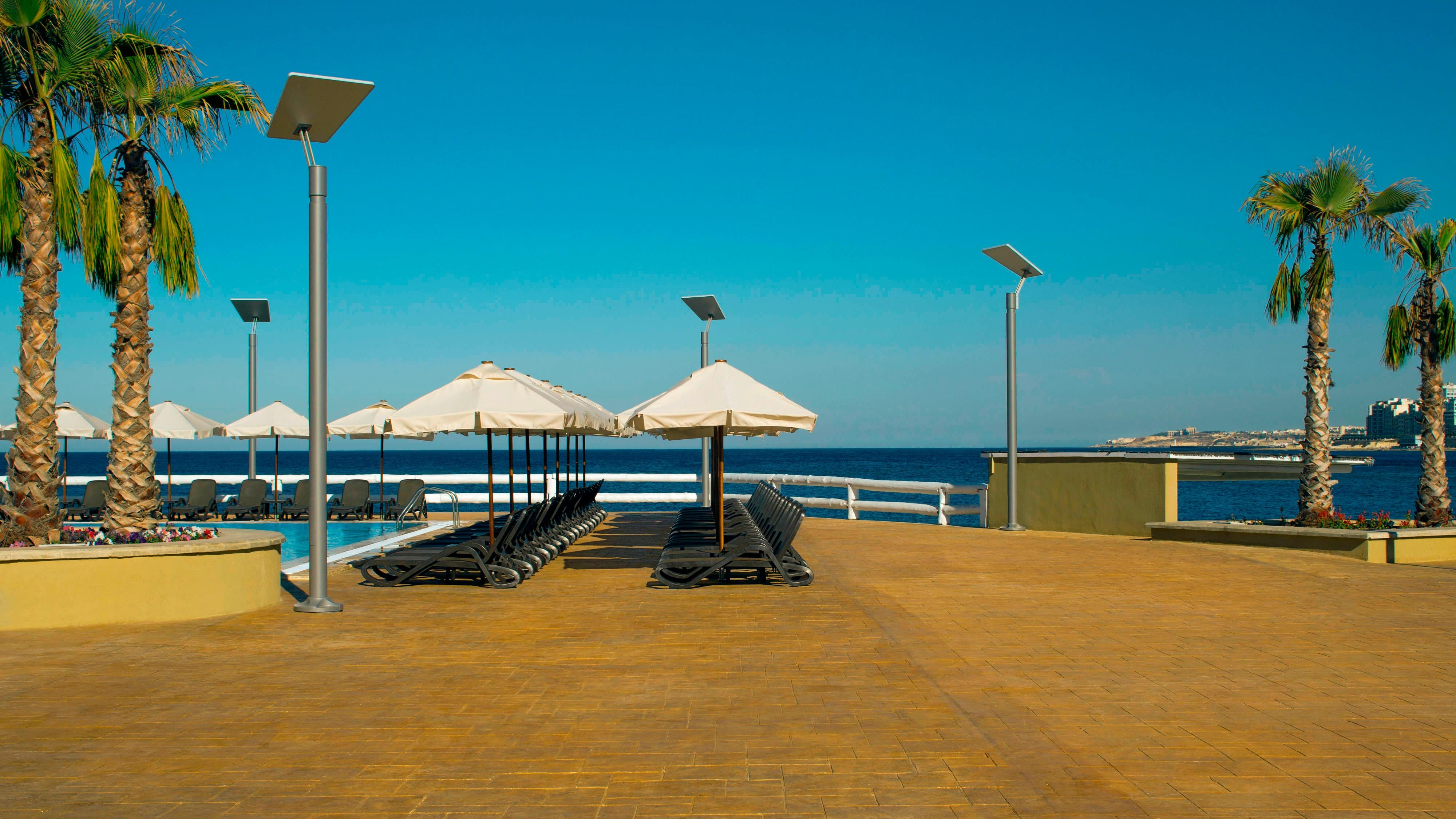 Reef Club Pool Deck ocean View