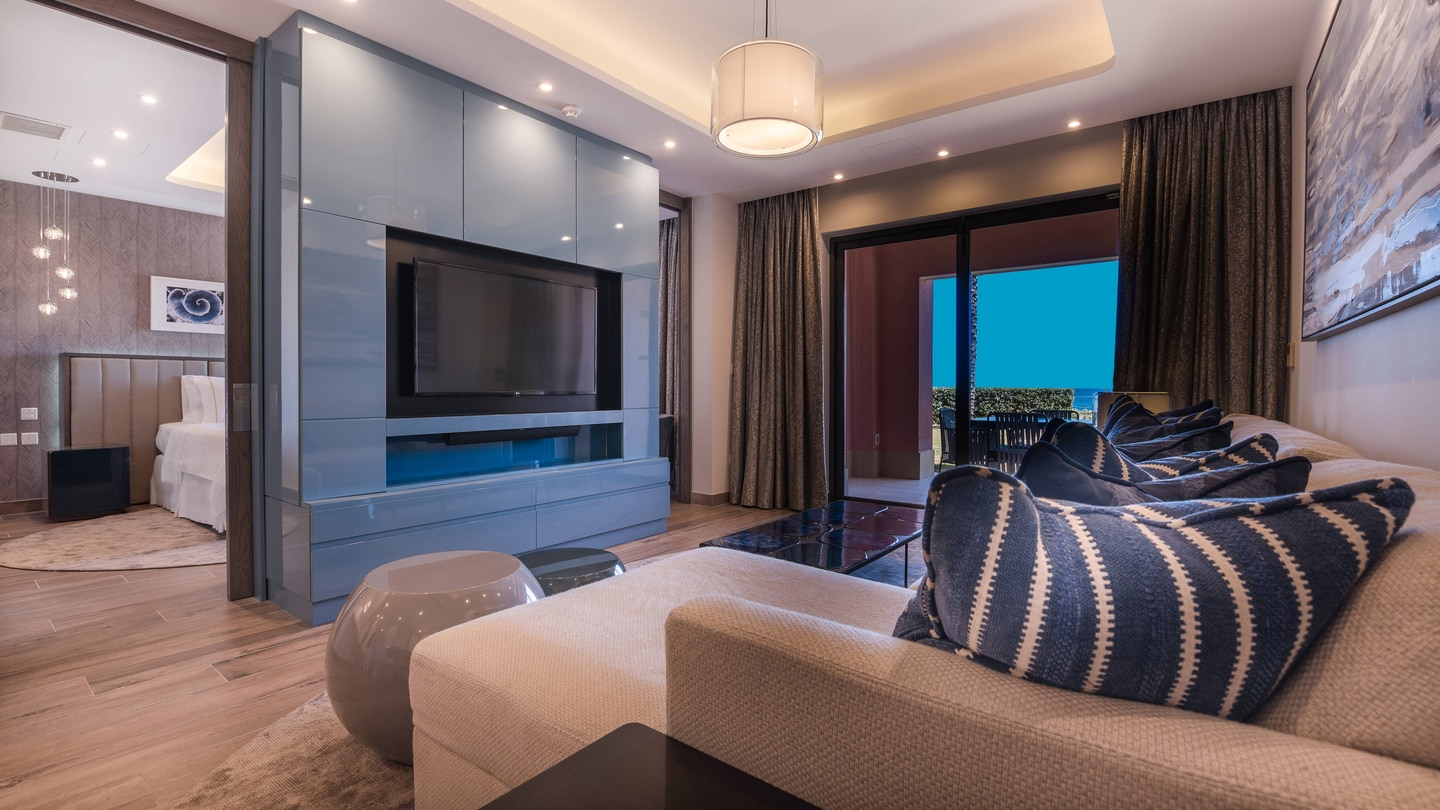 Luxury Bay Suite lounge and Bedroom