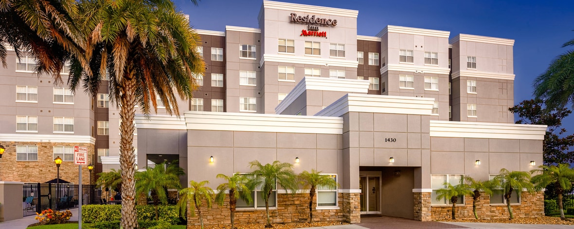 Airport Hotels in Melbourne, FL | Residence Inn Melbourne