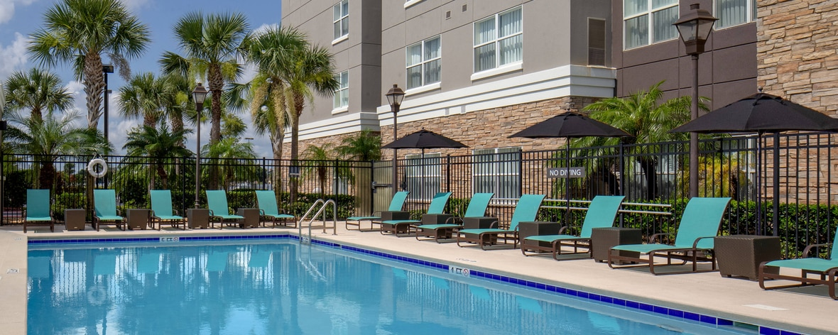 Extended stay hotels in melbourne fl residence inn melbourne for Melbourne university swimming pool