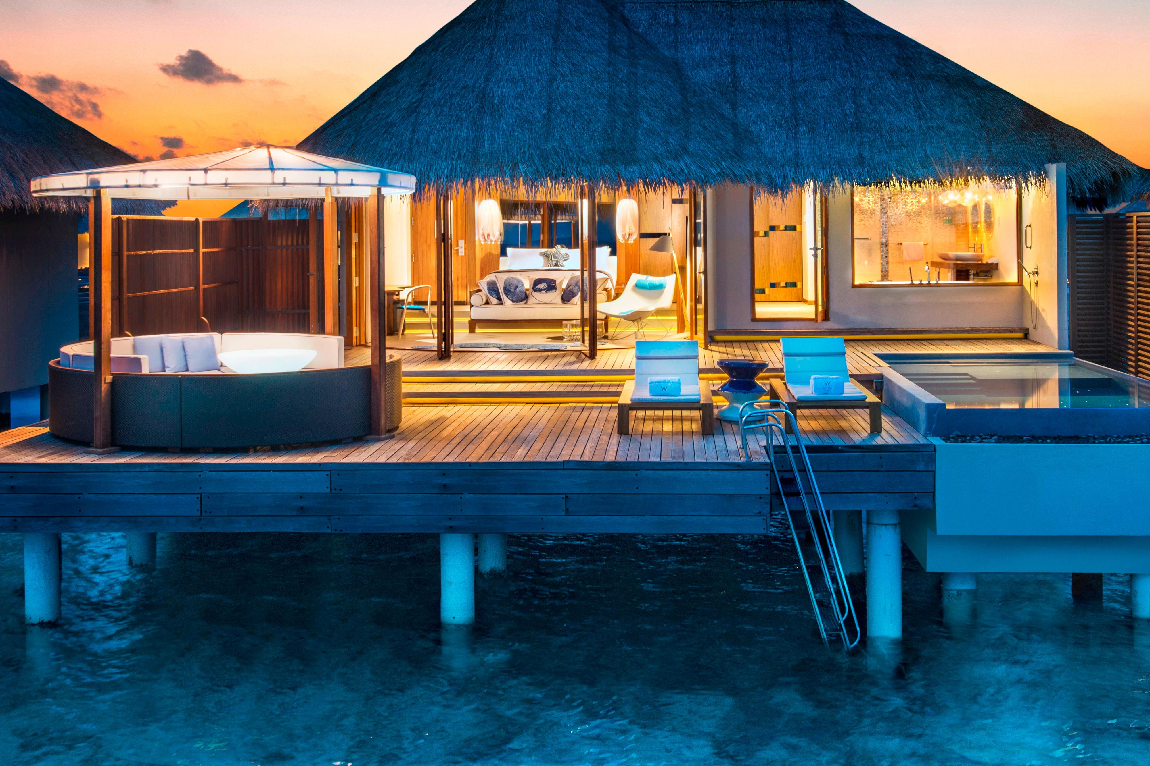 Fabulous Overwater Oasis – Exterior