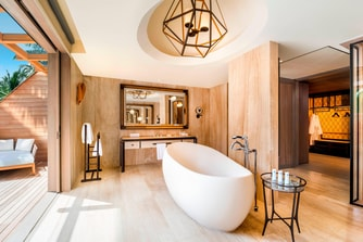 Caroline Astor Estate Master Bathroom