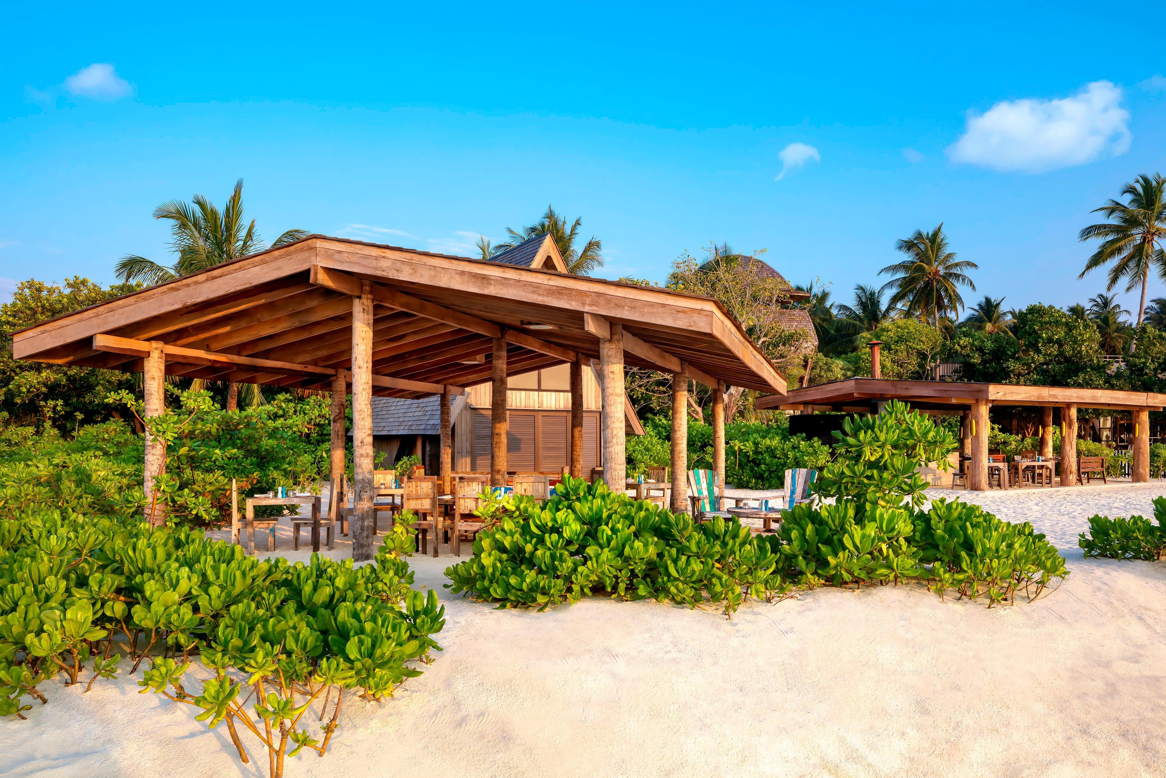レストラン「Craft & Crust Restaurants on the Beach」