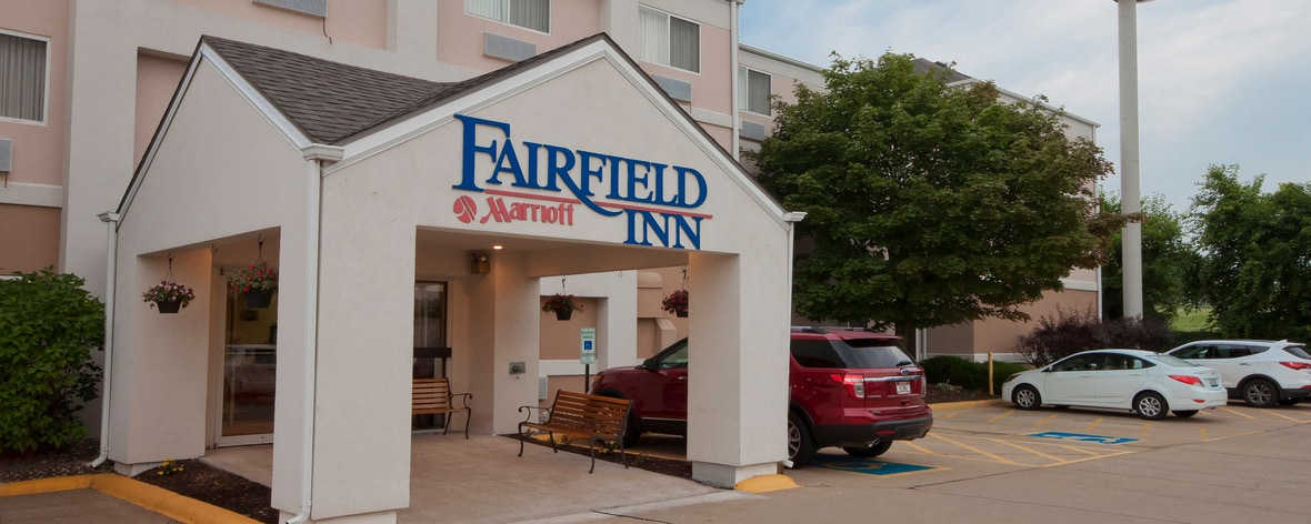 fairfield inn davenport our pet friendly hotel in. Black Bedroom Furniture Sets. Home Design Ideas