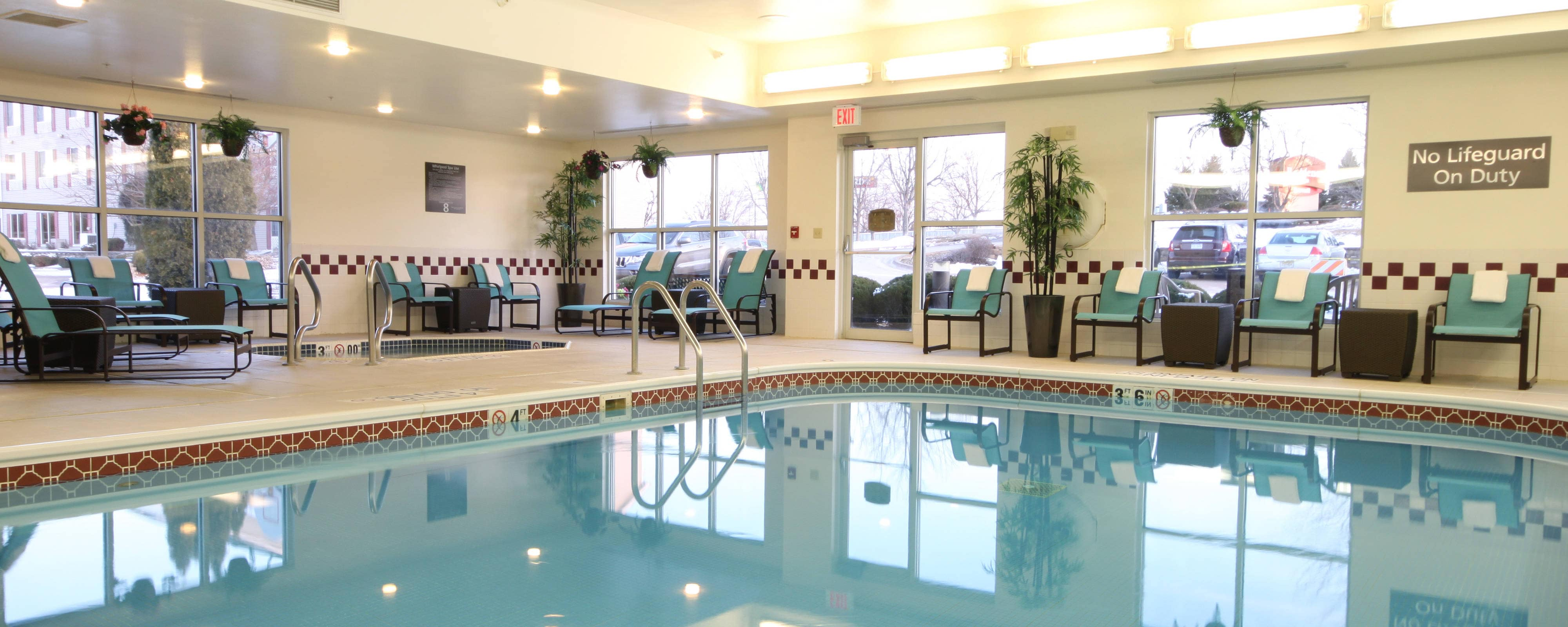 Davenport IA hotel indoor pool