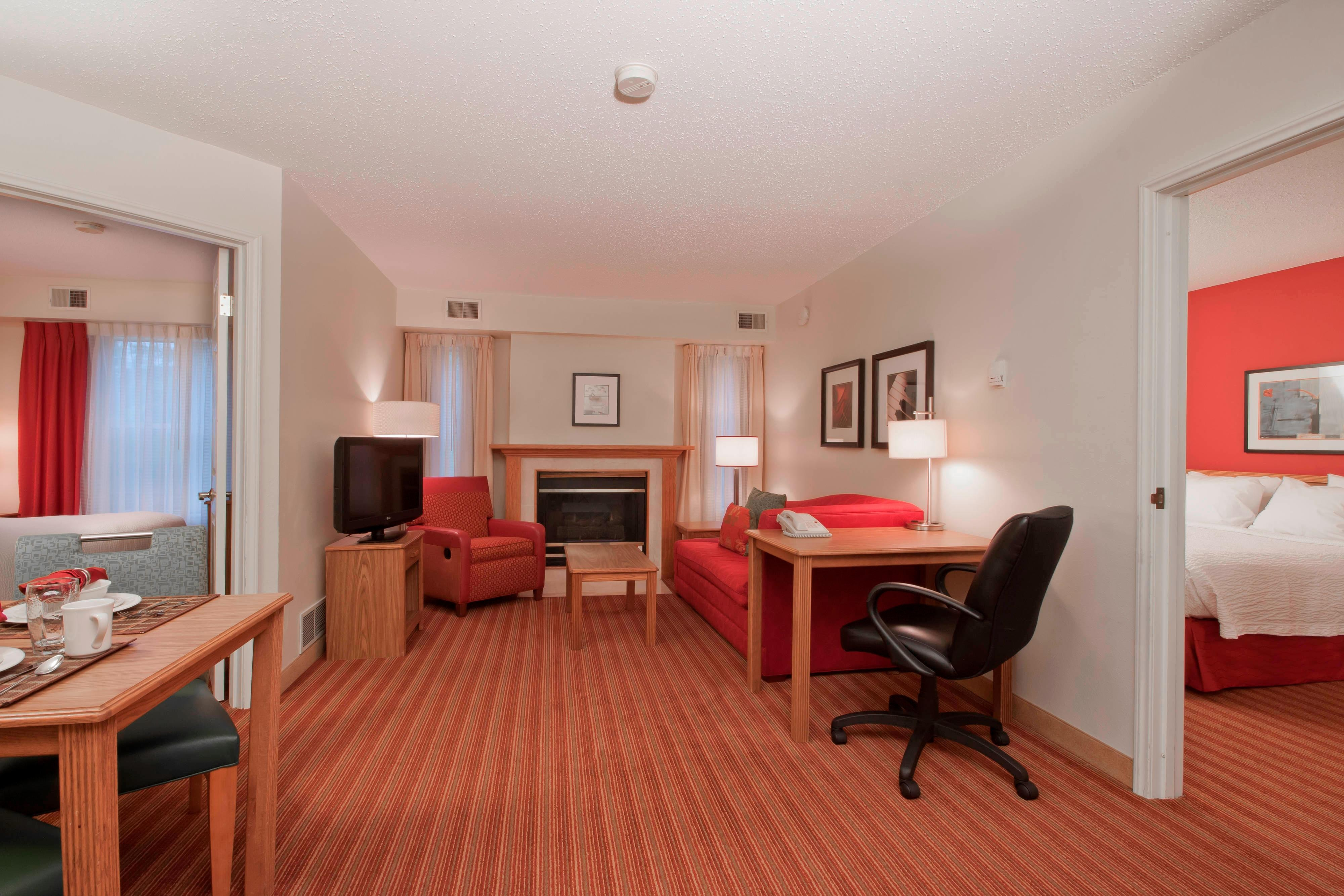 cleveland cleta clinic suite orleans airport clsc hotel suites accommodations rooms towneplace new hor bedroom in hotels