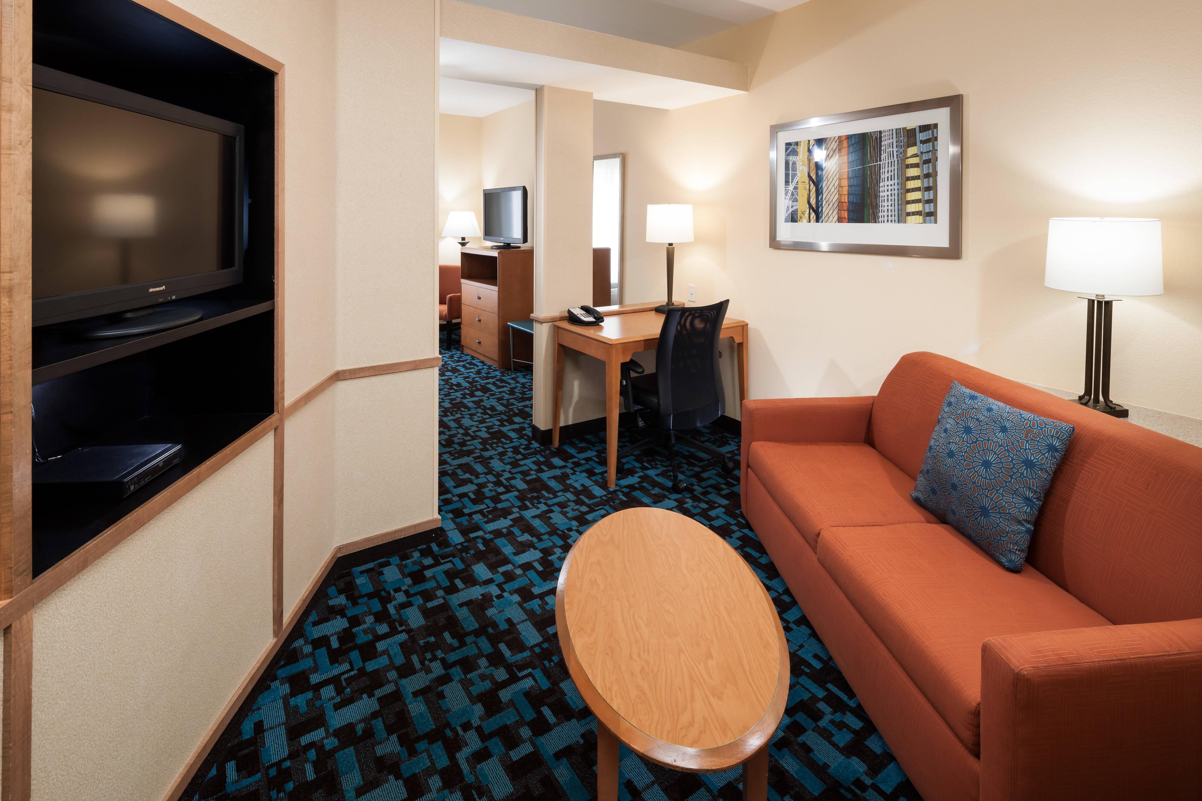 Suite mit zwei Queensize-Betten – Wohnbereich