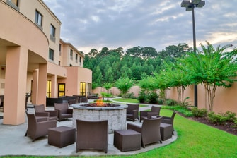 Courtyard Marriott Mobile Daphne Spanish Fort Fire Pit
