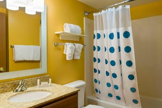 TownePlace Suites Mobile Guest Bathroom