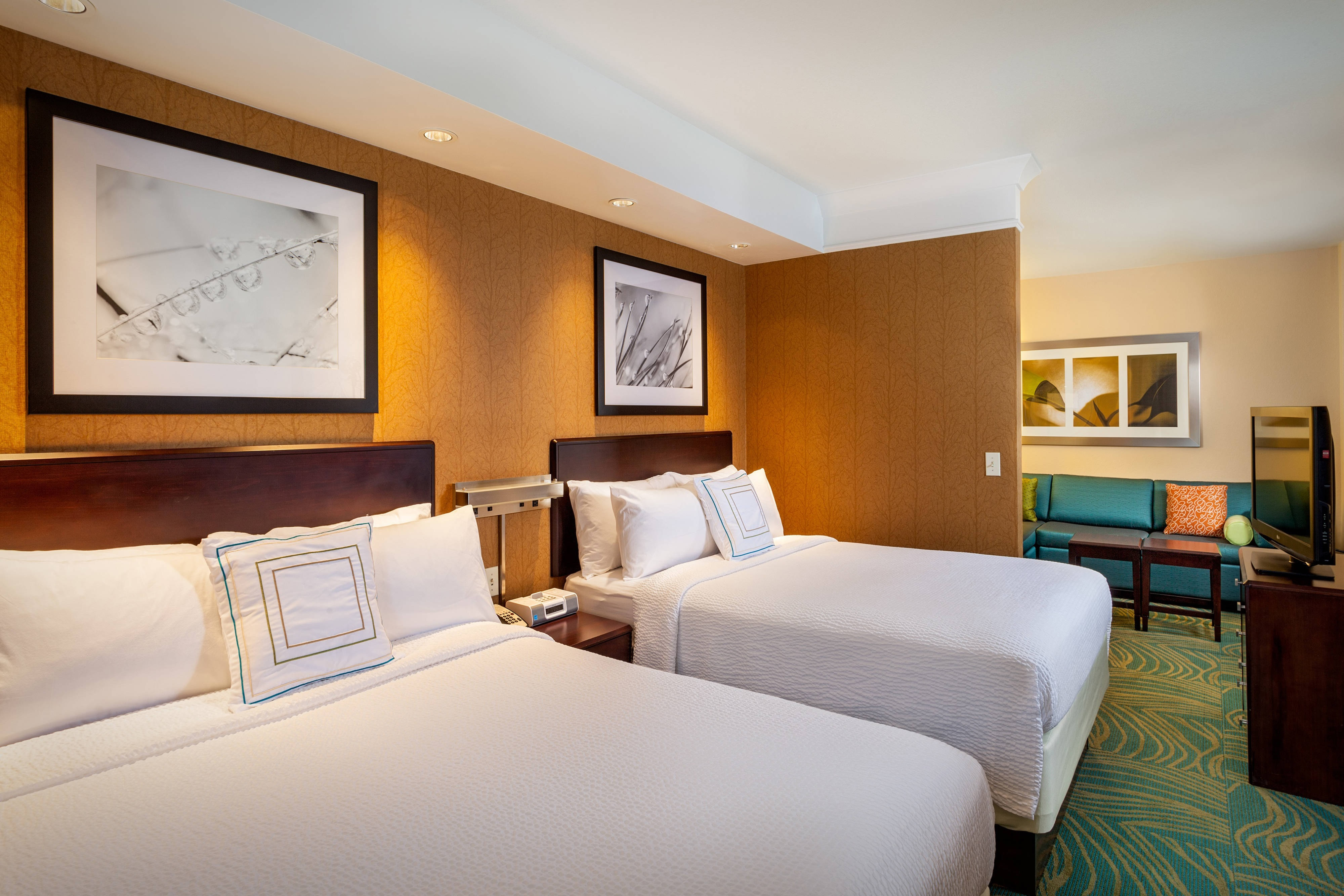 SpringHill Suites Modesto Guest Rooms