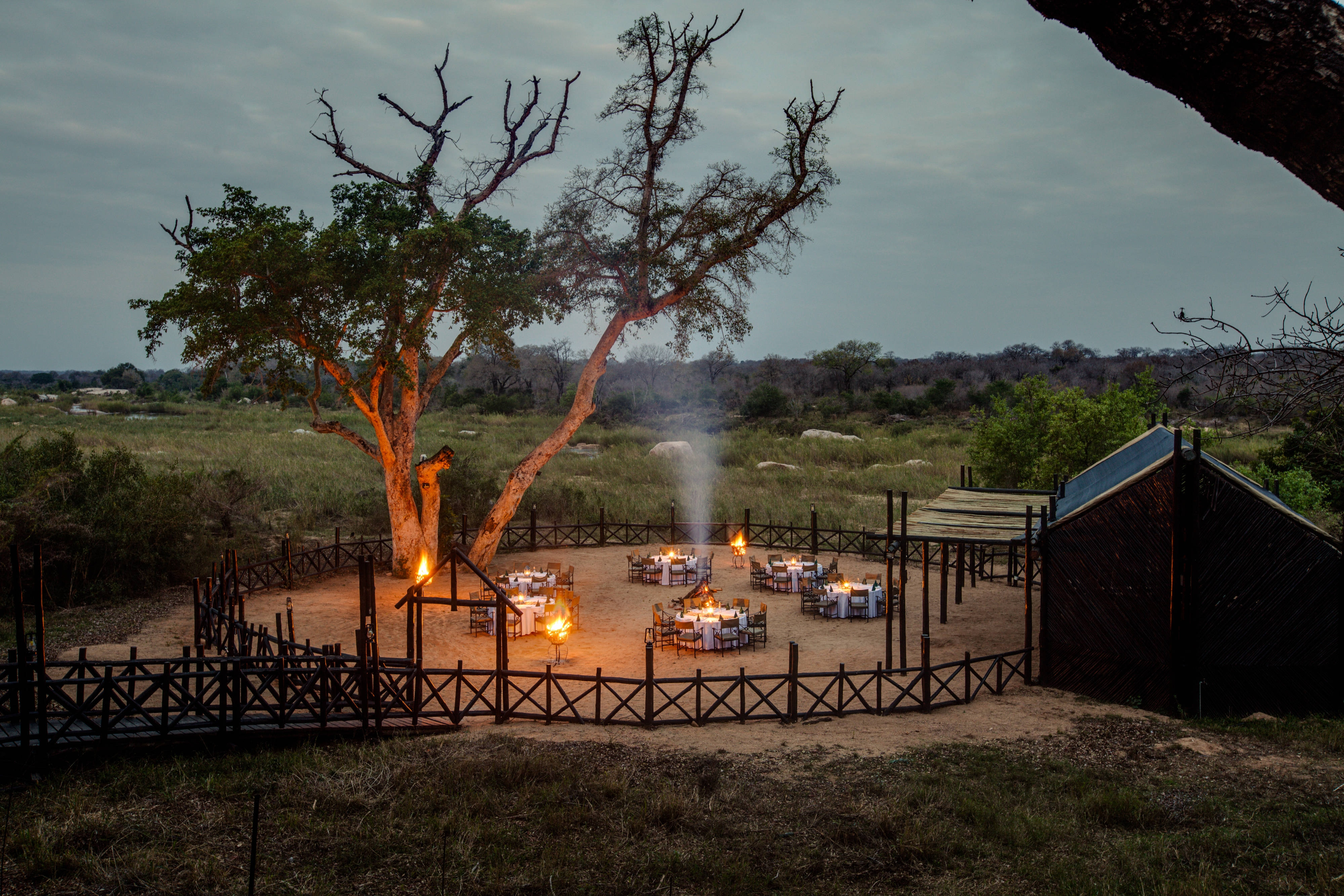 Outdoor Dining Area – Outdoor Boma