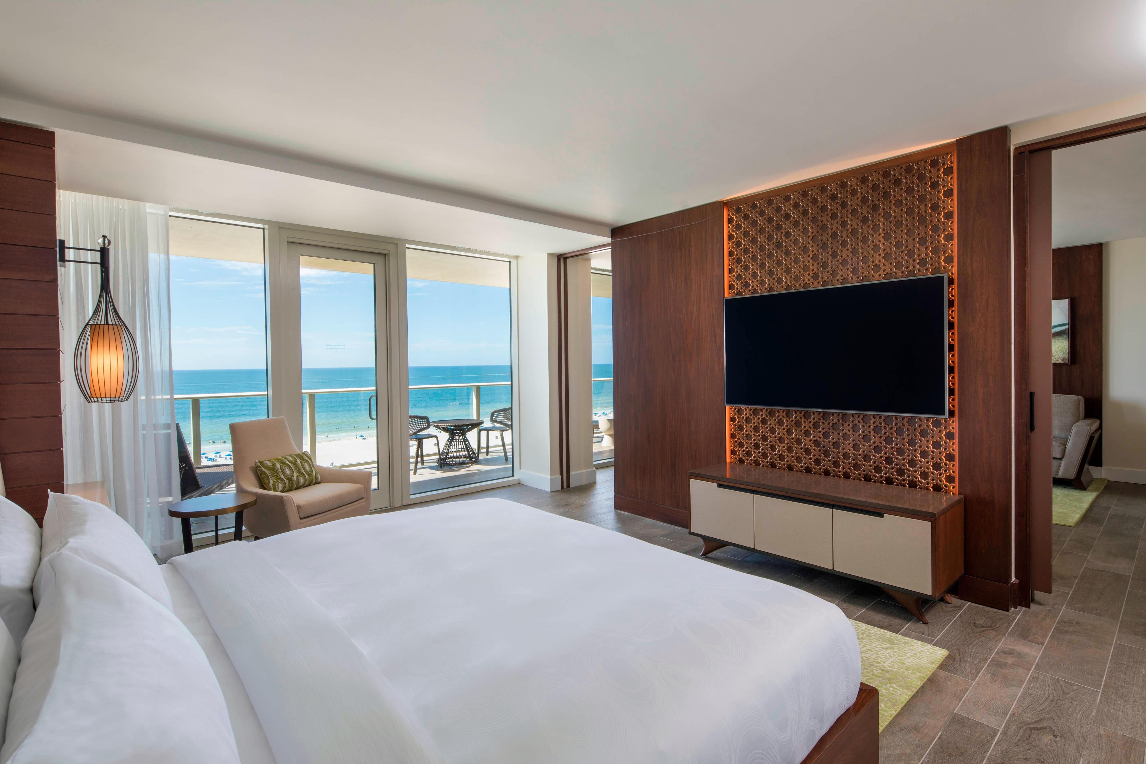 Adult Exclusive - Gulf Front Suite