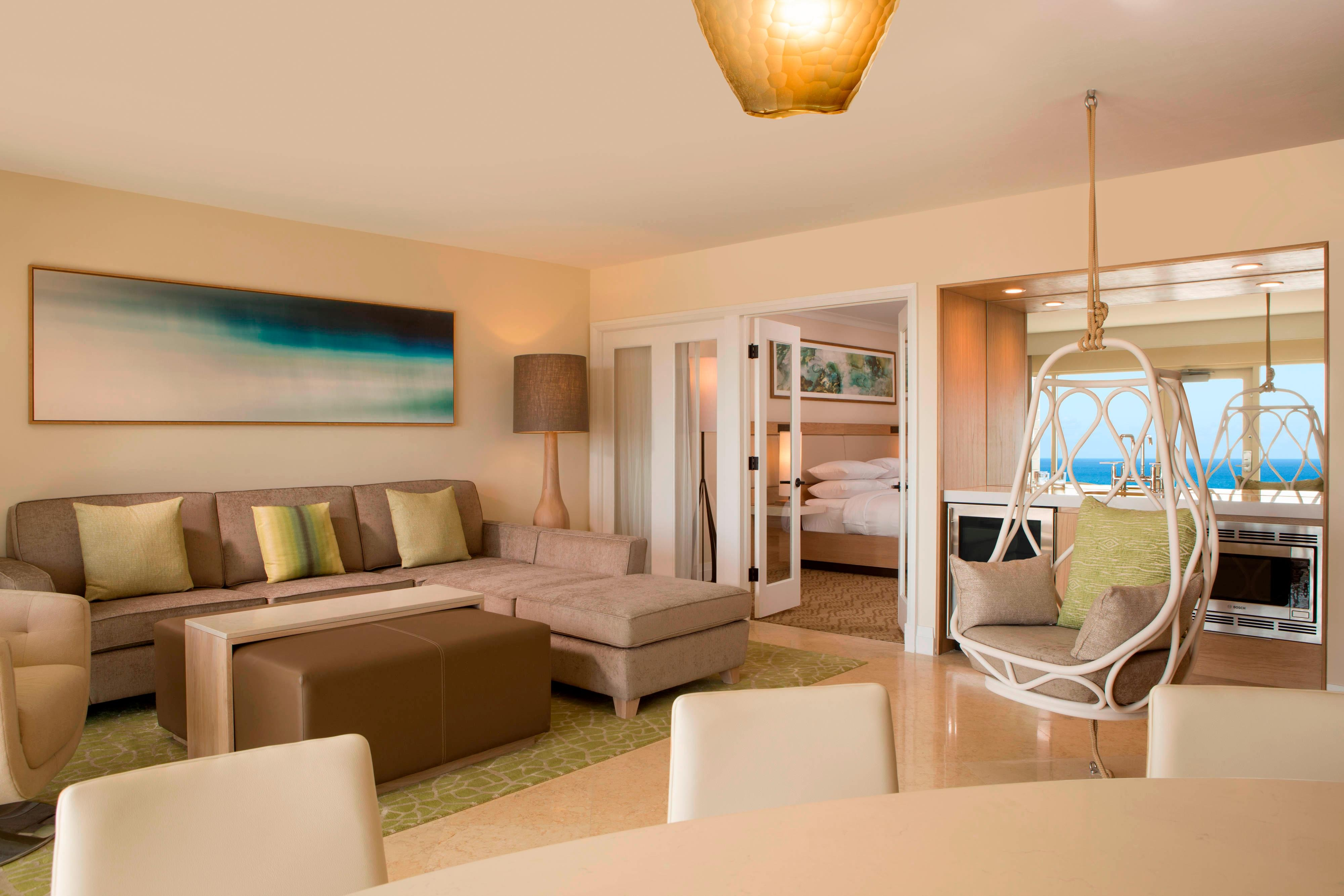 Lanai Suite - Living Area