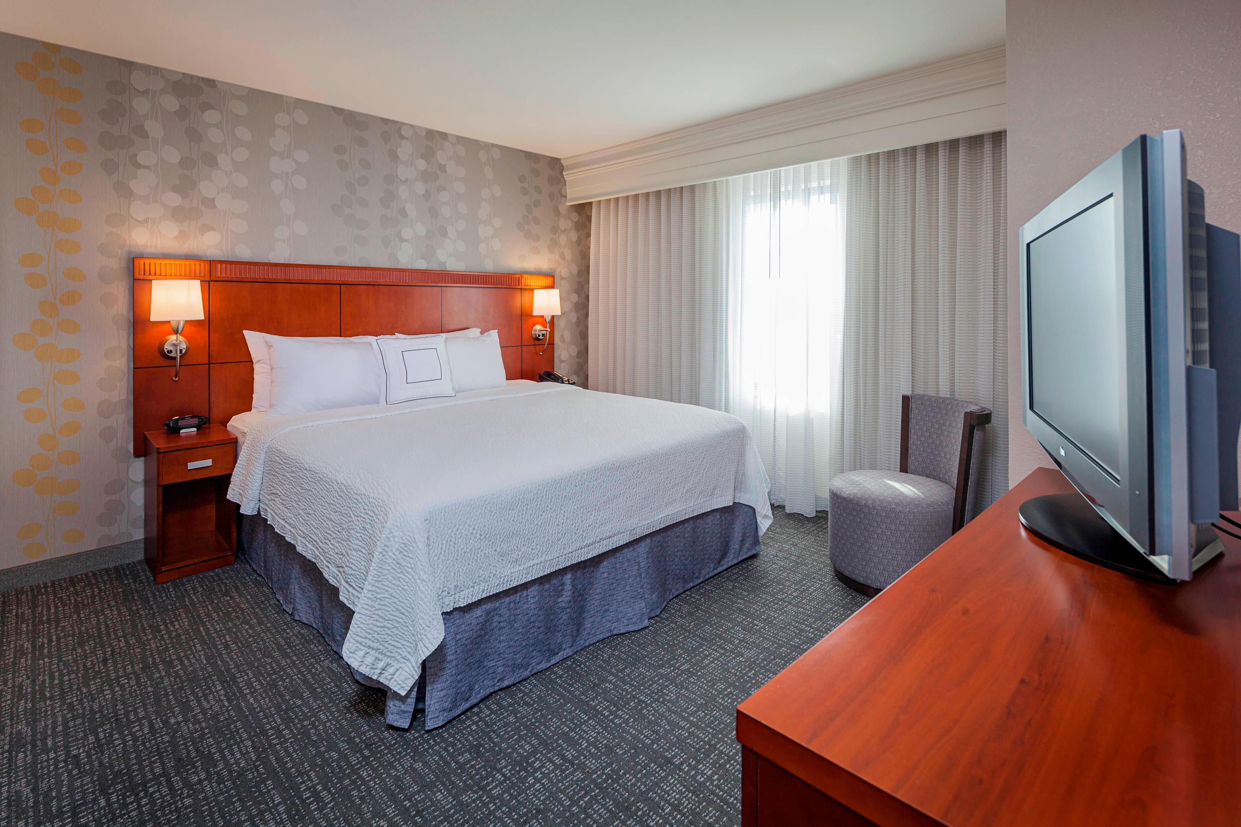 Madison West Suites