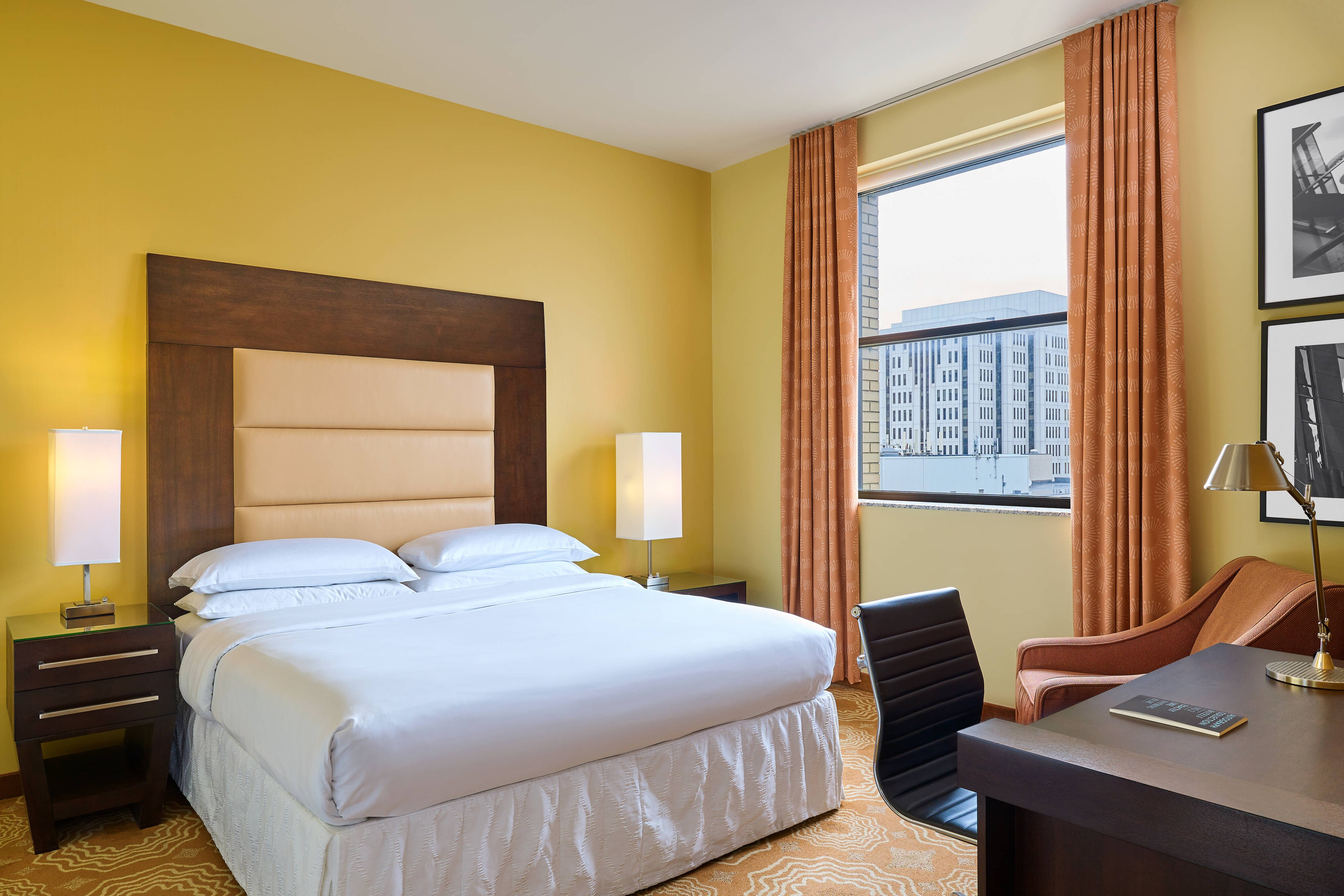 minneapolis guestroom hotels mspbr and room themed hotel hor travel burnsville inn guest suites fairfield mn rooms clsc
