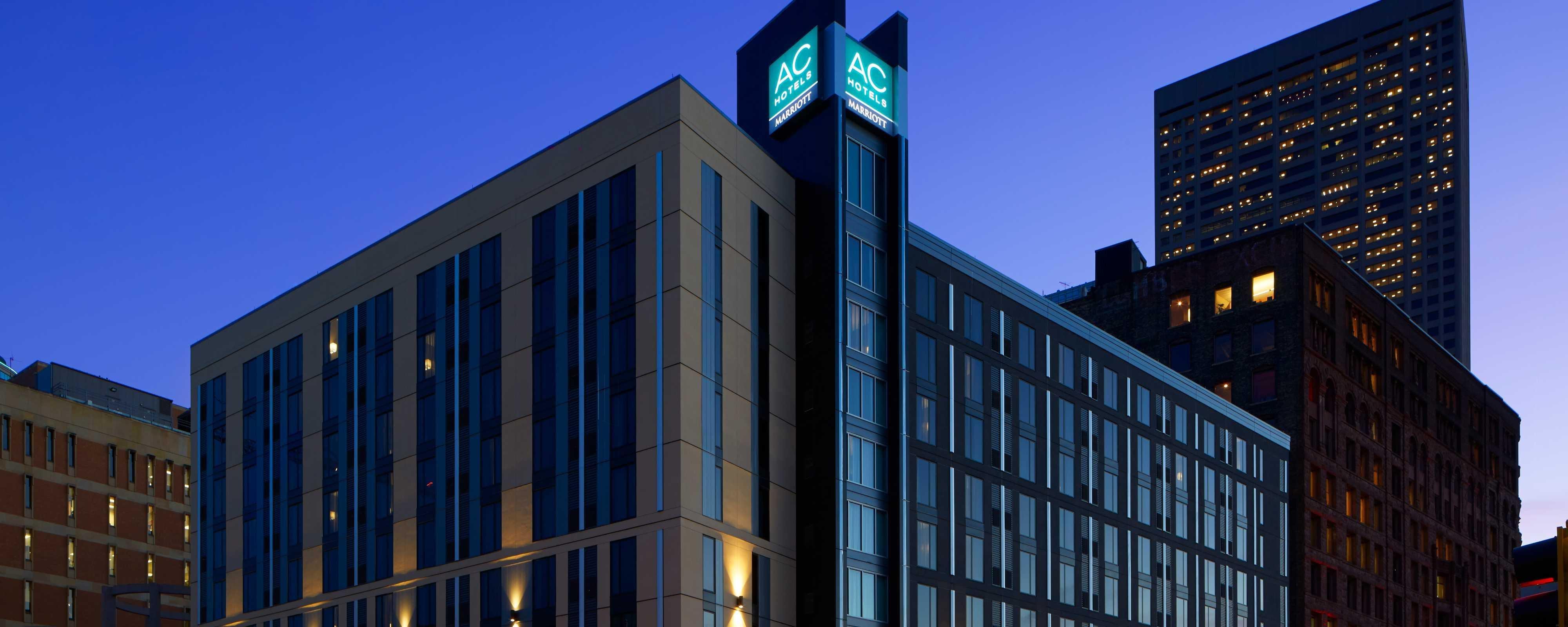Hotel Hennepin