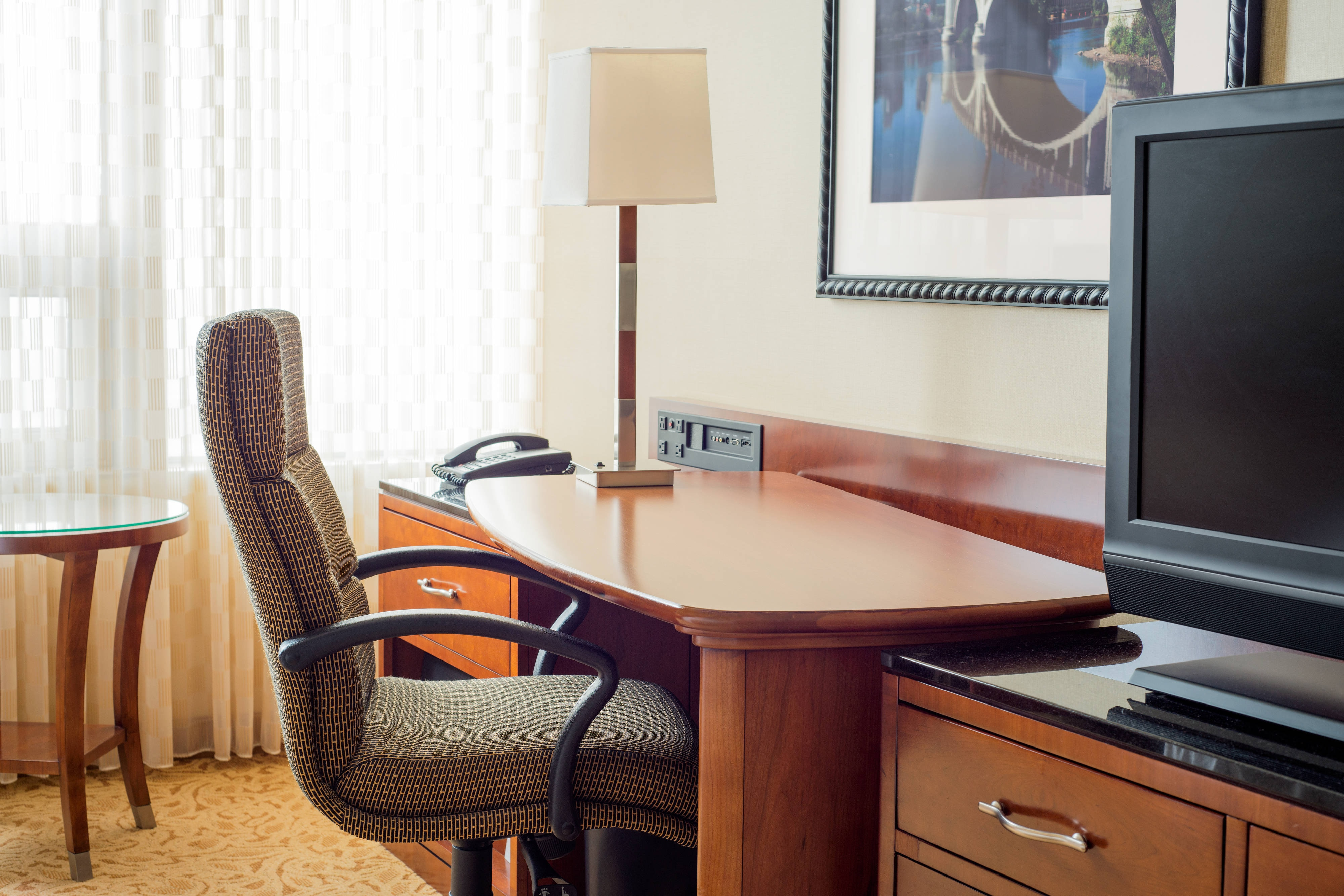 Minneapolis Hotel Rooms Work Desk
