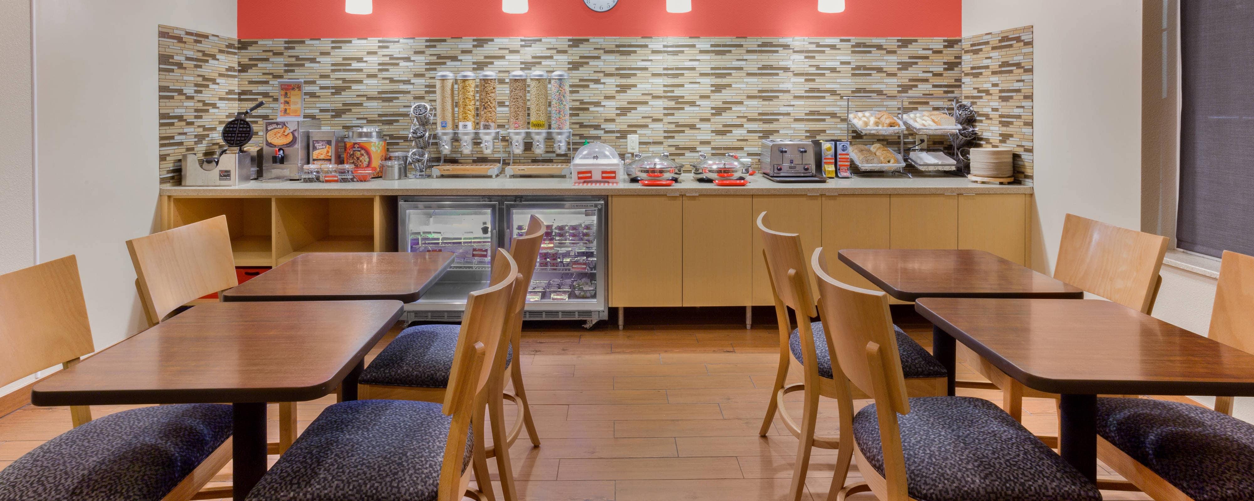 Hotel Dining Restaurants Towneplace Suites Minneapolis
