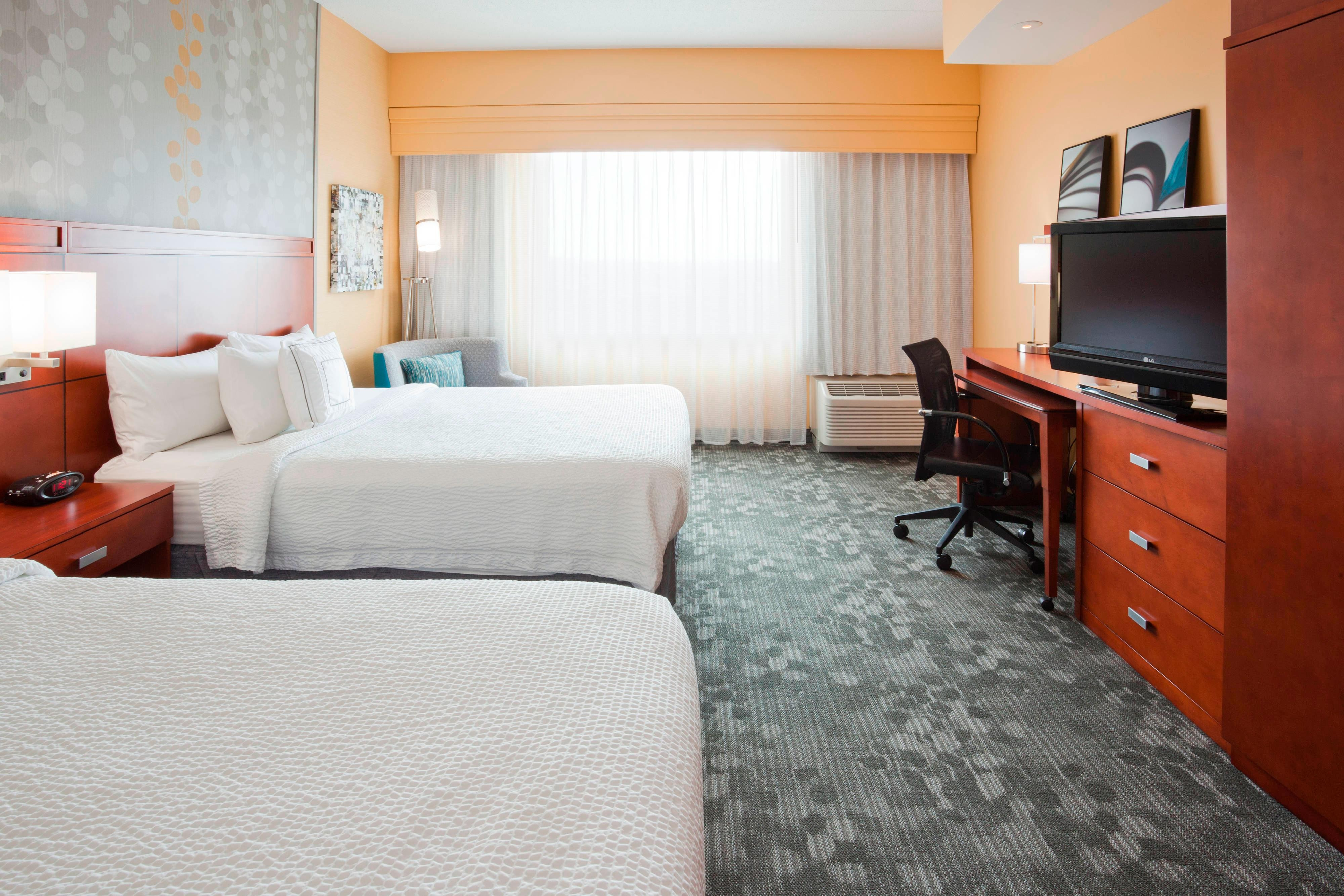 Maple Grove, MN Marriott hotel room that sleeps 4