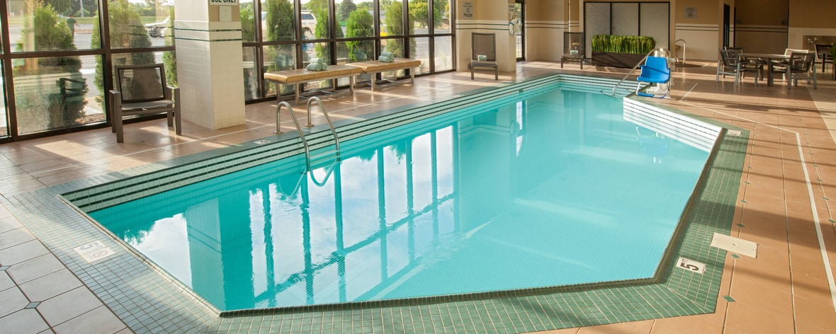 Brooklyn park mn hotels minneapolis marriott northwest for Indoor swimming pools in brooklyn
