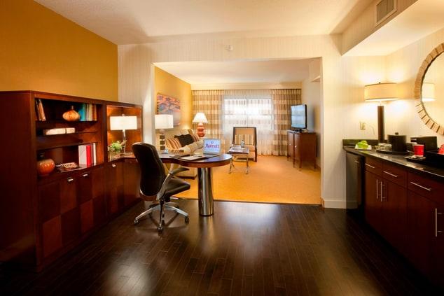 Minneapolis Marriott Northwest Executive Suite