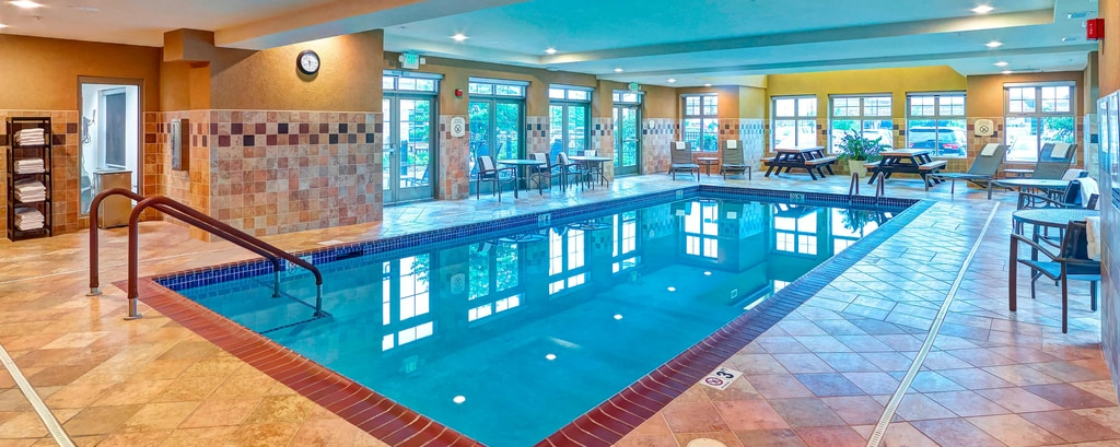 Plymouth mn hotel pool residence inn plymouth for Plymouth hotels with swimming pools