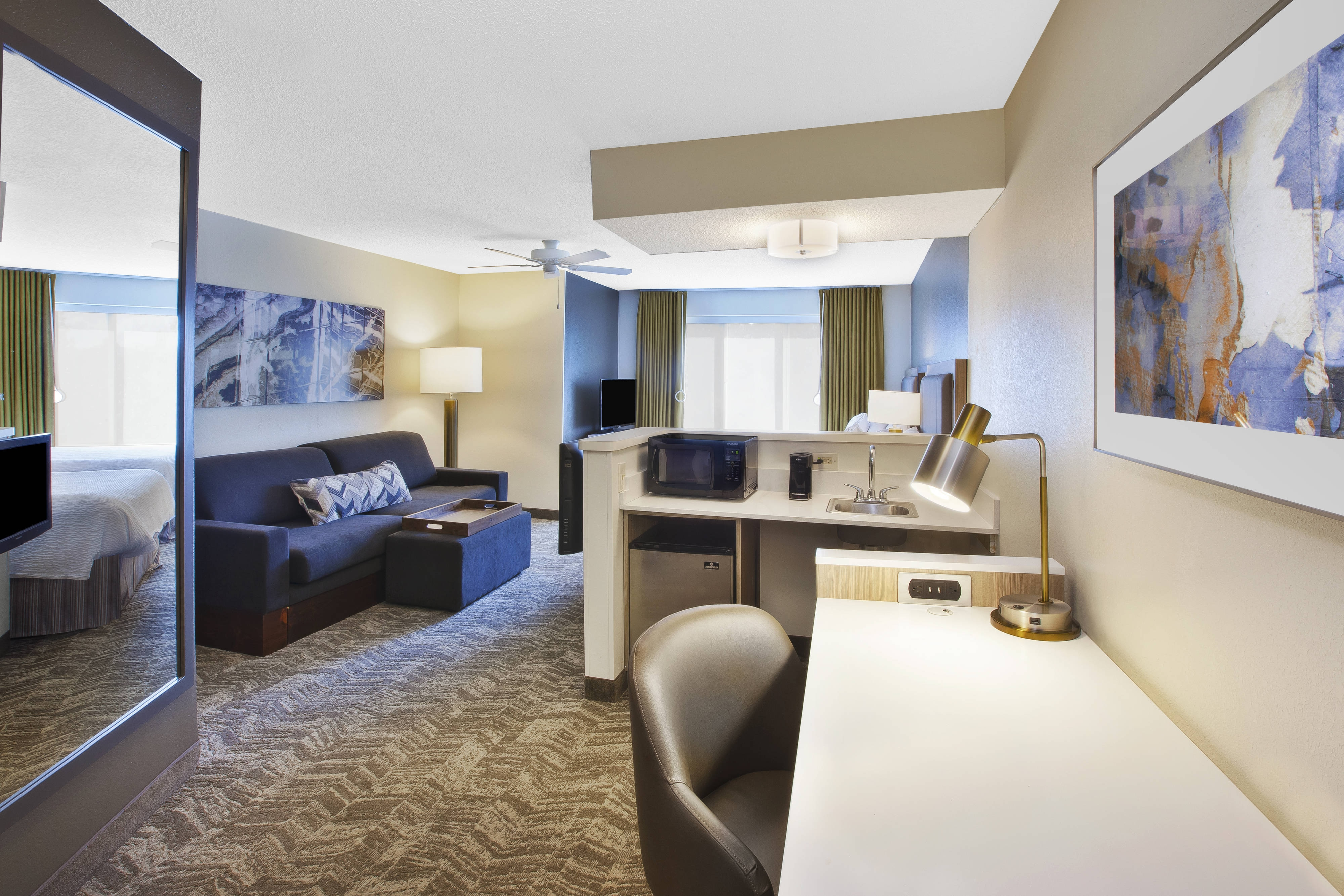 mn minneapolis inn travel residence room clsc suite hotels hotel rooms center hor city themed mspri stay extended in bedroom downtown