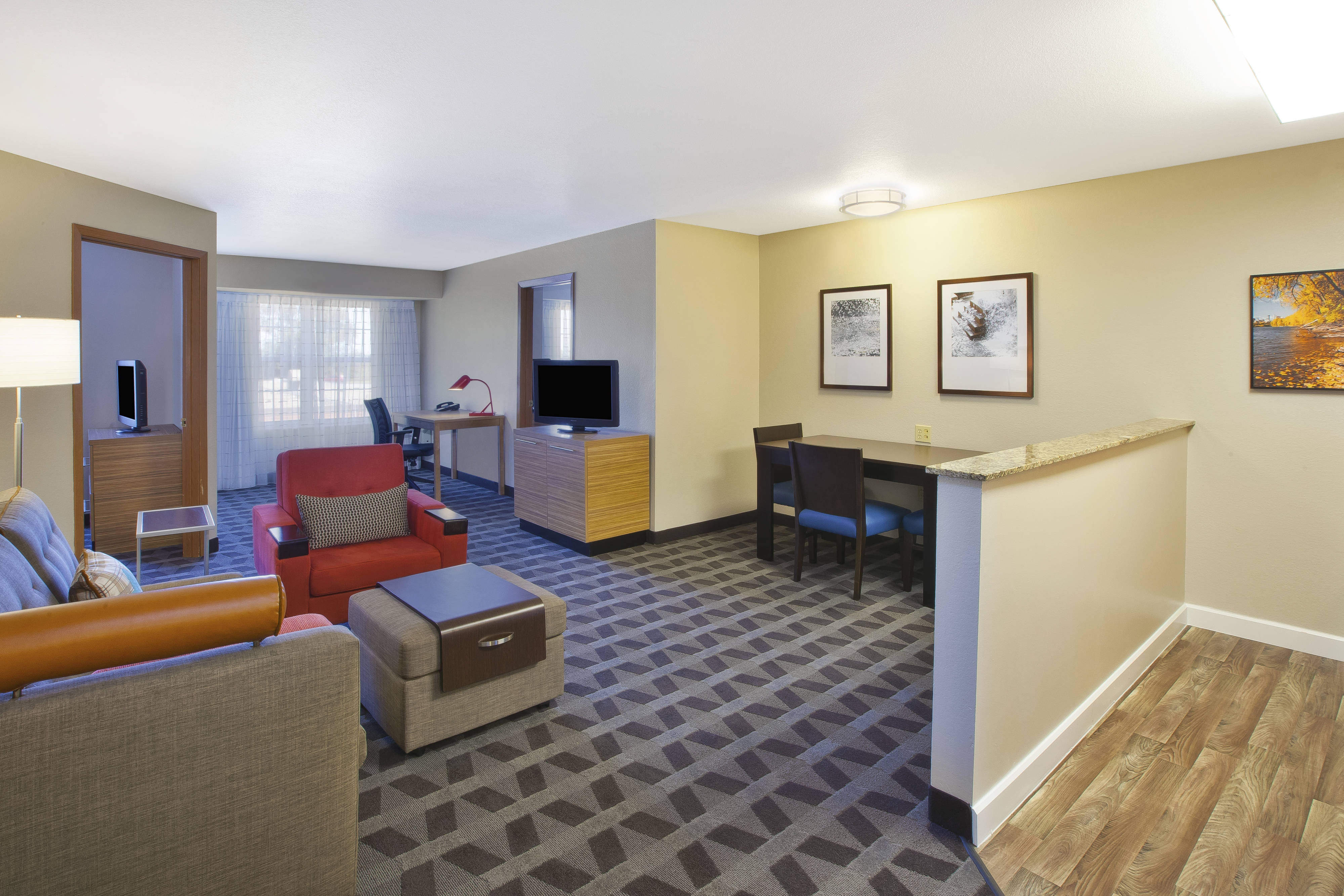 Towneplace Suites Minneapolis St Paul Airport Eagan Hotel Amenities Hotel Room Highlights
