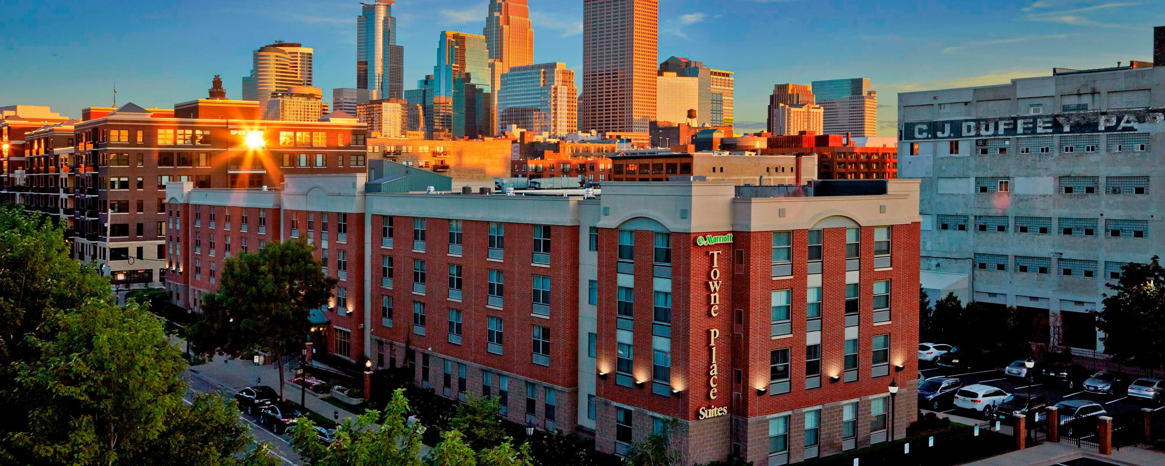 hotels in downtown minneapolis towneplace suites north loop. Black Bedroom Furniture Sets. Home Design Ideas