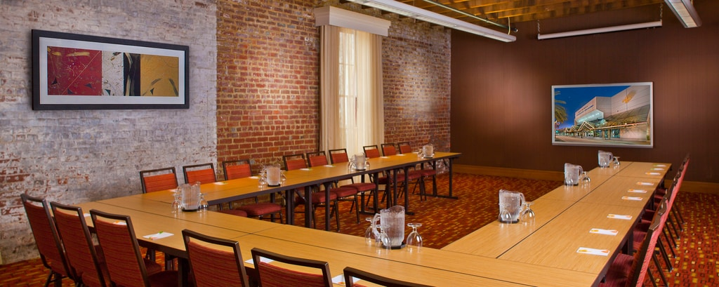 Business Meeting Rooms Downtown New Orleans | Courtyard New Orleans ...